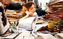 Учителям не продохнуть от бумажной работы
