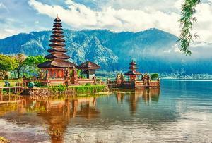Правительство Индонезии продолжает повышать уровень квалификации учителей
