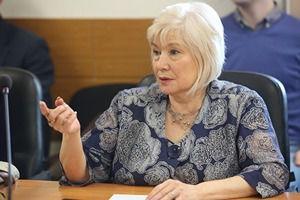 «Учитель получает ₽10 тыс.» Директор школы просит изменить подход к зарплатам педагогов