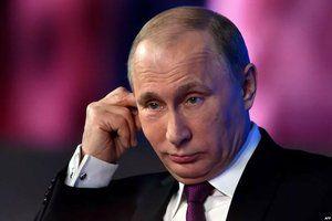 Путин поручил усилить мотивацию классных руководителей в школах