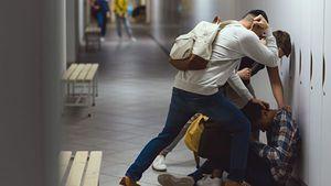 ВЦИОМ: более половины россиян считают драки в школах обычным явлением