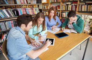 Студенты-волонтёры Мининского университета участвуют в реализации нижегородского проекта «Летний календарь событий»