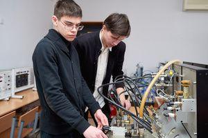 Минпросвещения России выделит колледжам средства на переоснащение и создание мастерских