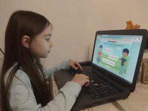 Более 220 тысяч школьников и учителей получили адресную помощь в виде компьютерной техники для обеспечения образовательного процесса