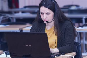 На горячую линию Минпросвещения России по методической поддержке организации дистанционного обучения продолжают поступать звонки из регионов