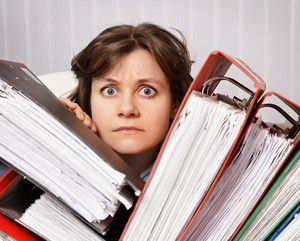 Эксперты опасаются, что нагрузка на учителей вырастет: им придется заполнять еще больше бумаг.