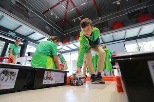 В «Артеке» учат основам программирования и собирают роботов