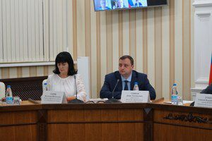 В Симферополе прошёл круглый стол, посвящённый вопросам военно-патриотического воспитания школьников