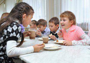 С нового учебного года вступает в силу закон об организации детского питания