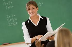В минобрнауки утверждают, что в большинстве российских регионов школьные учителя зарабатывают в среднем больше уровня средней зарплаты по субъекту РФ