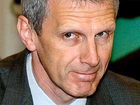Фурсенко пообещал до конца года поднять зарплаты учителям