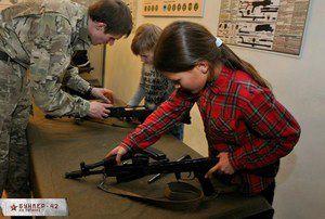 В школы вернут начальную военную подготовку