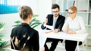 Эксперты назвали перспективные сферы для трудоустройства выпускников