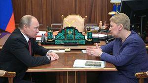 Путин потребовал от Васильевой следить за уровнем зарплат учителей в каждом регионе